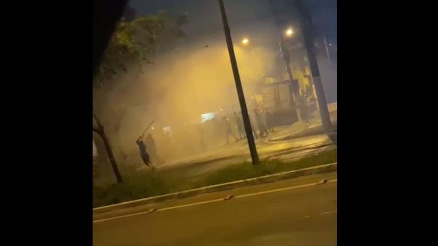 Torcedores de Corinthians e Palmeiras entram em confronto na zona sul de São Paulo após Dérbi - Reprodução