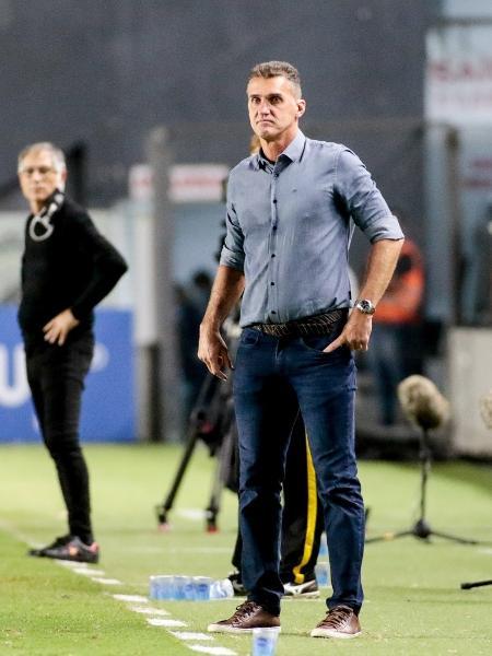 Vagner Mancini à beira do gramado da Vila Belmiro, em partida do Corinthians contra o Santos, pelo Paulistão - Rodrigo Coca/Agência Corinthians