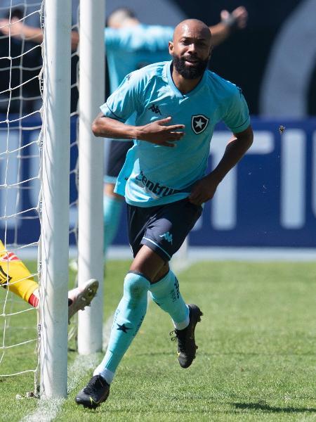 Chay comemora seu gol contra o Vila Nova-GO na Série B - Jorge Rodrigues/AGIF