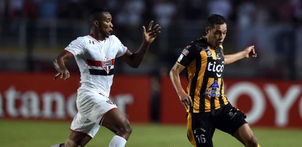 Thiago Mendes é alvo do Cruzeiro para liberação de Willian