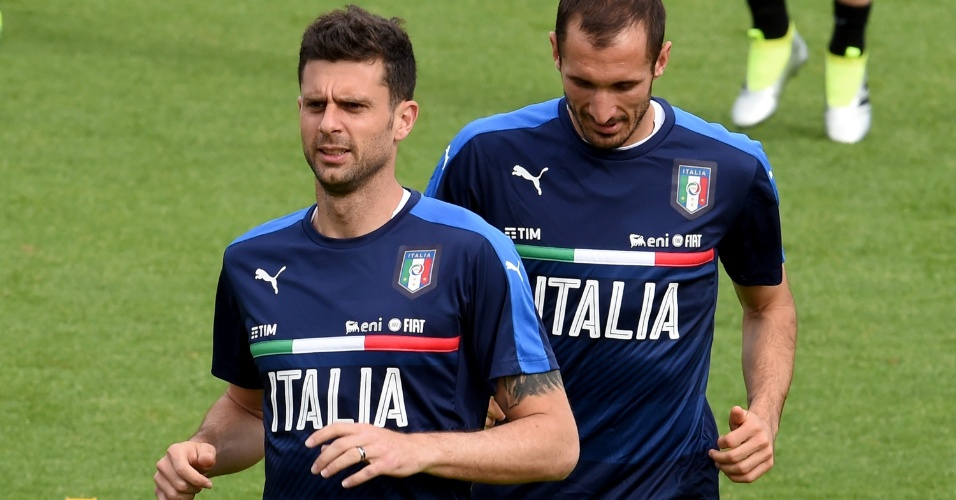 Thiago Motta e Chiellini treinam com a seleção italiana para a Eurocopa