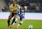 Alex Telles pode ser outro brasileiro a atuar pela seleção italiana - Miguel Vidal/Reuters