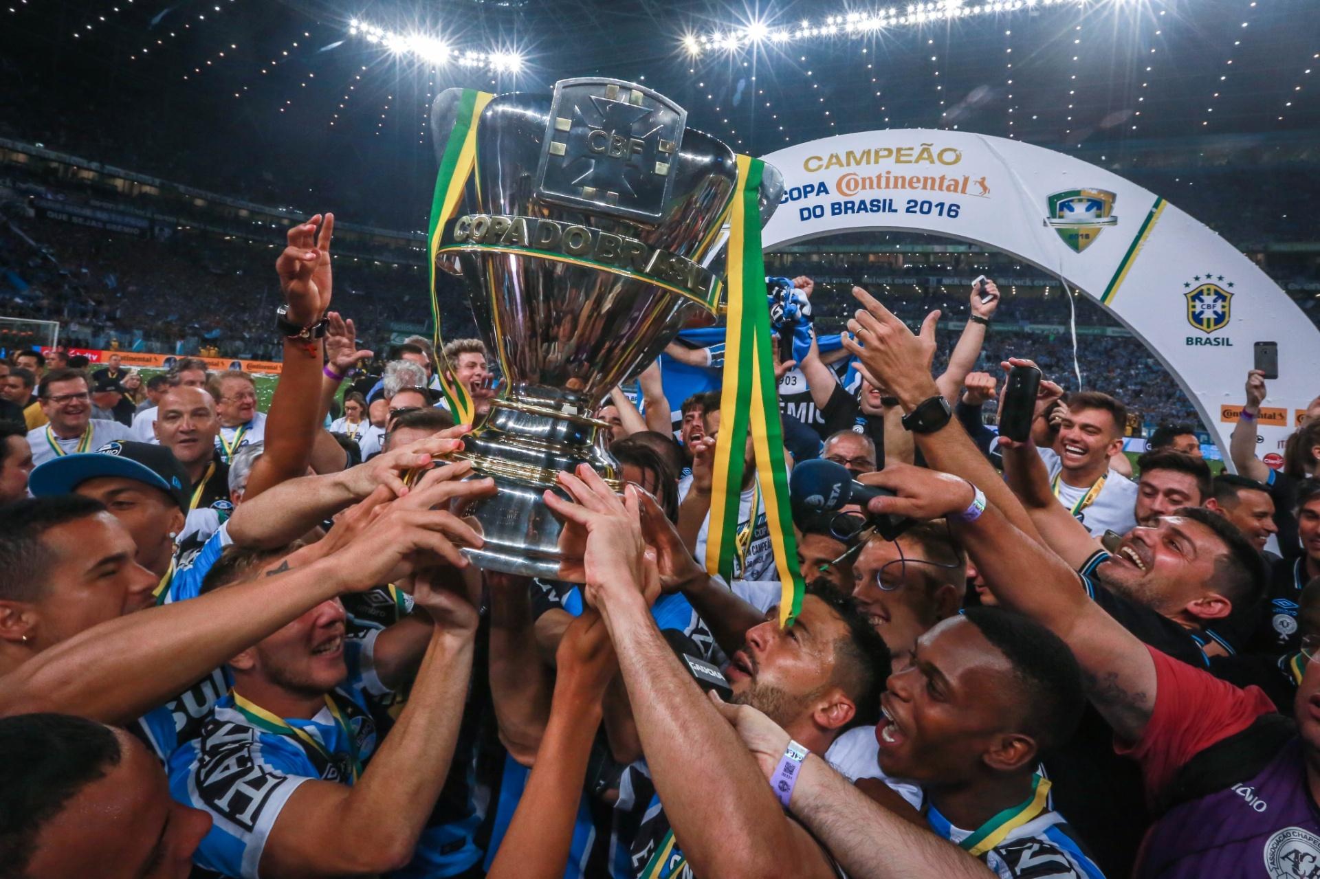 22f175ebbadd7 Grêmio leva golaço do Atlético-MG