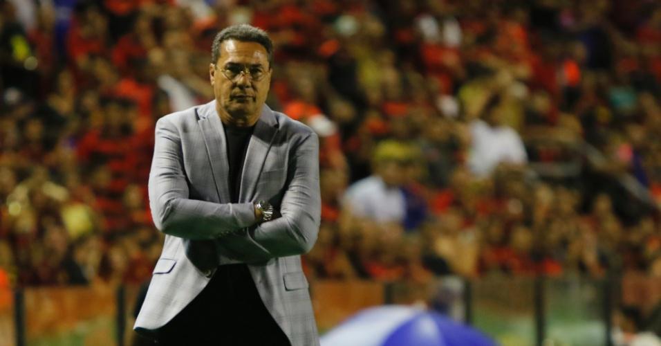 Luxemburgo acompanha jogo entre Sport e Vasco