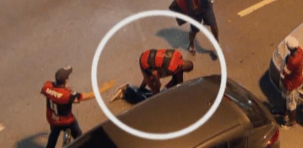 cb77308888 Globo flagra torcedor do Flamengo furtando homem atropelado no Maracanã