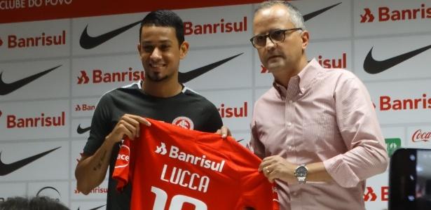 Atacante Lucca é apresentado pelo Internacional no CT do clube gaúcho - Marinho Saldanha/UOL