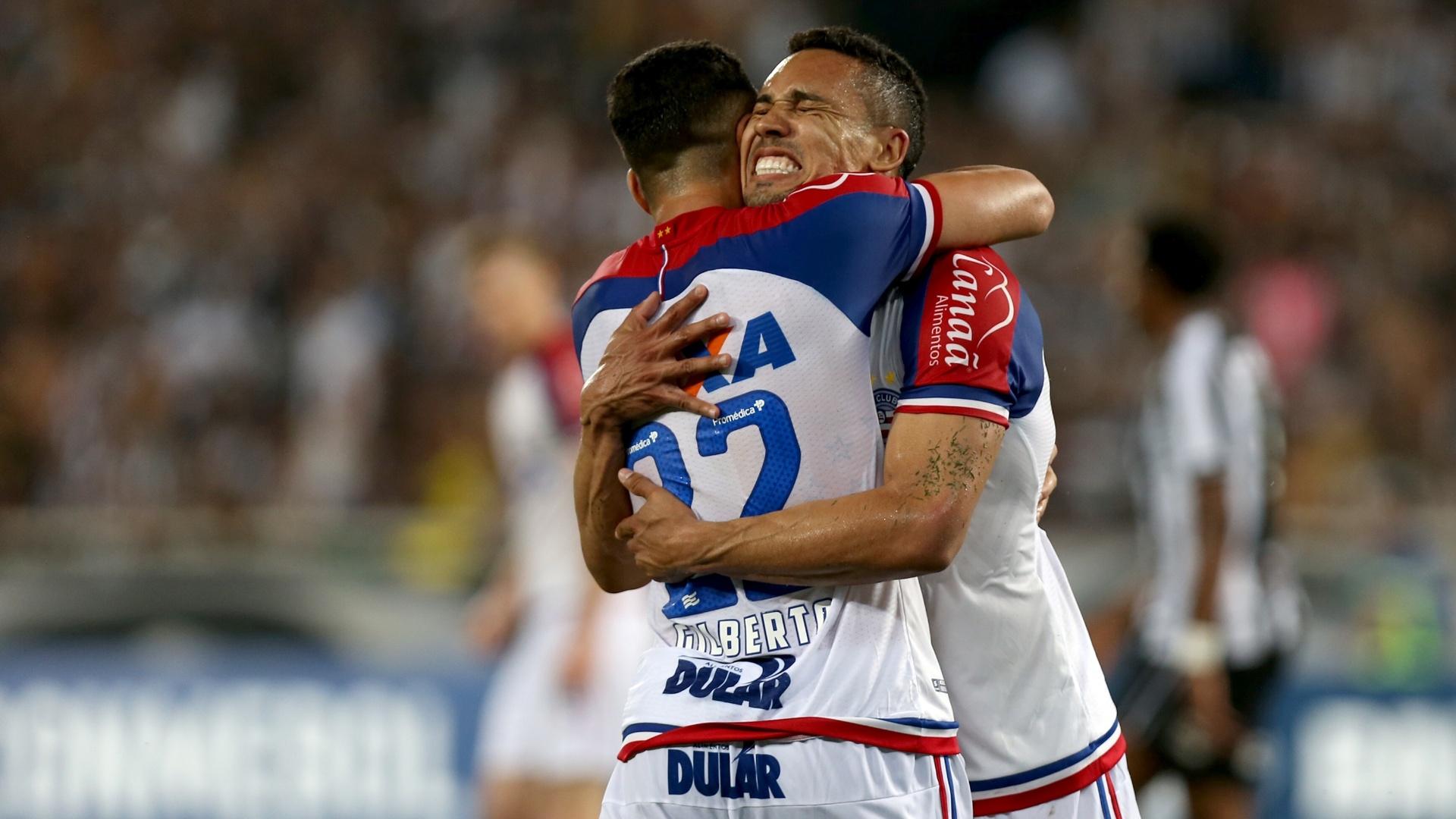 Edigar Junio comemora gol do Bahia contra o Botafogo