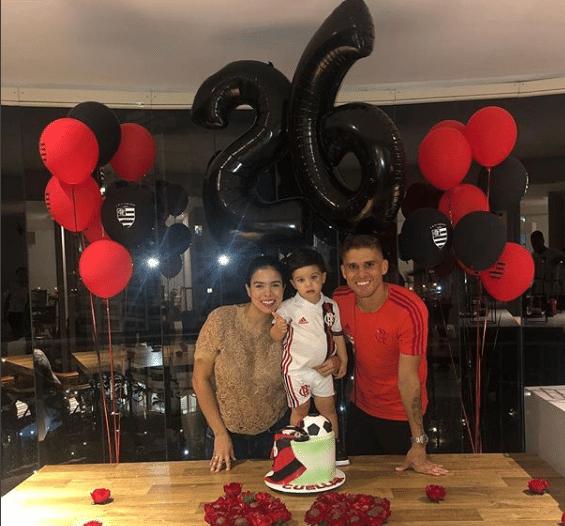 Cuellar ganhou festa surpresa da esposa