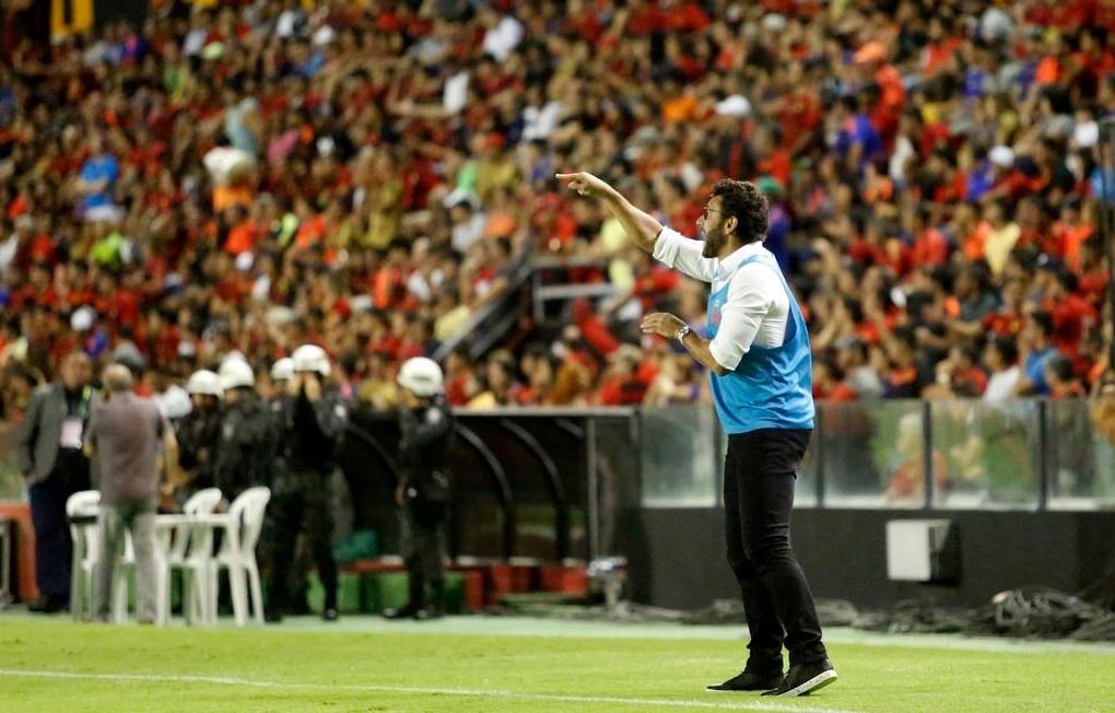 Alberto Valentim, técnico do Vasco, durante jogo contra o Sport
