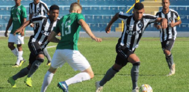 Botafogo foi derrotado pelo Guarani e deu adeus à Copa São Paulo de júniores - Fabio de Paula/BFR