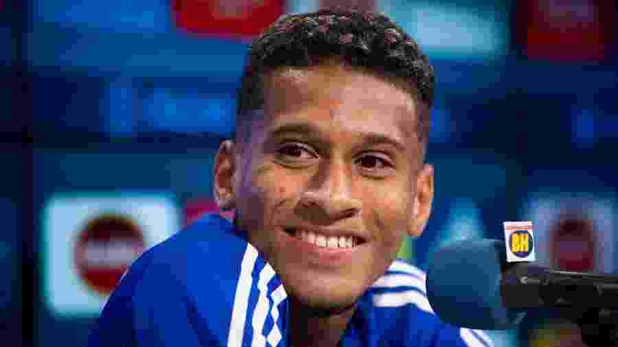 Adriano, volante do Cruzeiro, agradou na vitória por 3 a 0 sobre o Patrocinense - Bruno Haddad/Cruzeiro