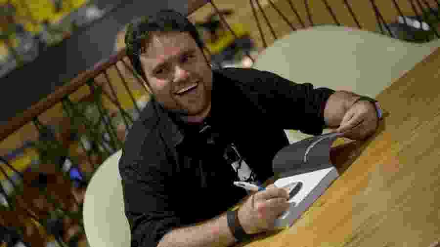 """Lançamento em 2009 do livro """"As Aventuras da Blitz"""", do então apresentador do programa Vitrine Rodrigo Rodrigues - Alexia Santi/Folha Imagem"""