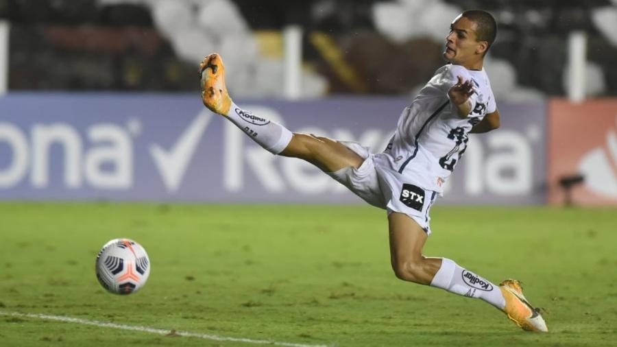 Kaiky em jogo pelo Santos - Ivan Storti