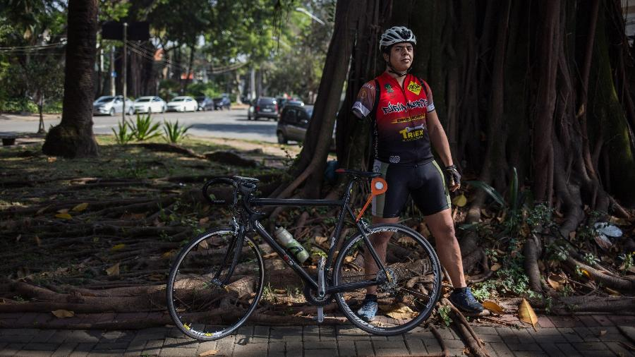 David Sousa Santos, ciclista que teve o braco direito decepado quando foi atropelado na avenida Paulista em 2013, cinco anos depois - Amanda Perobelli/UOL