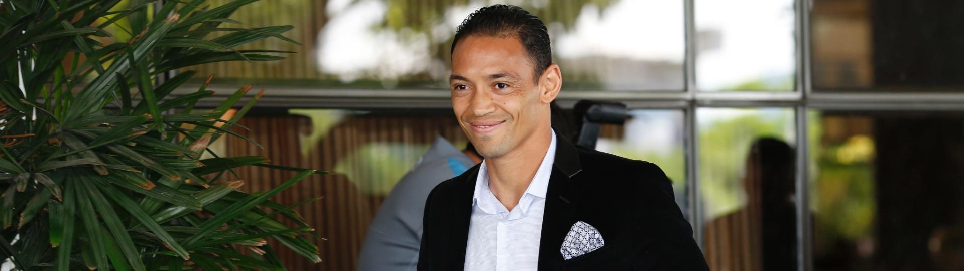 Ricardo Oliveira se apresenta à seleção brasileira nesta segunda-feira, em São Paulo