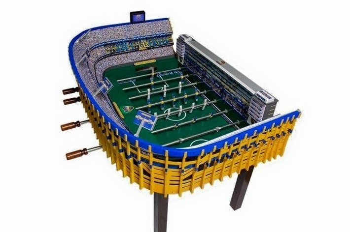 Versão mesa de pebolim da La Bombonera, tradicional estádio do Boca Juniors (ARG)