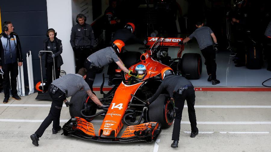 Fernando Alonso, da McLaren, durante fim de semana do GP da Inglaterra - Reuters/Andrew Boyers
