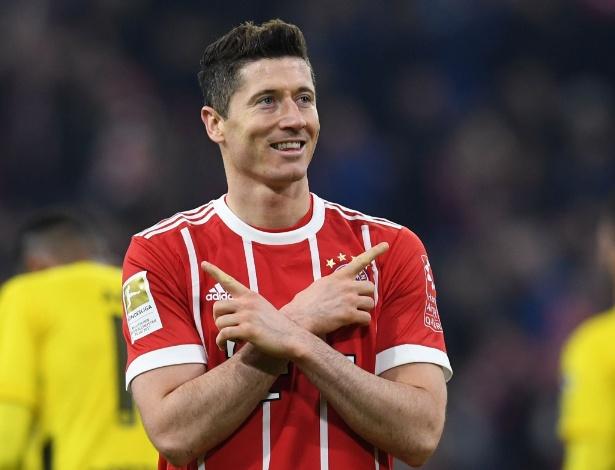 Lewandowski deixou dois e ajudou Bayern a colocar uma mão na taça