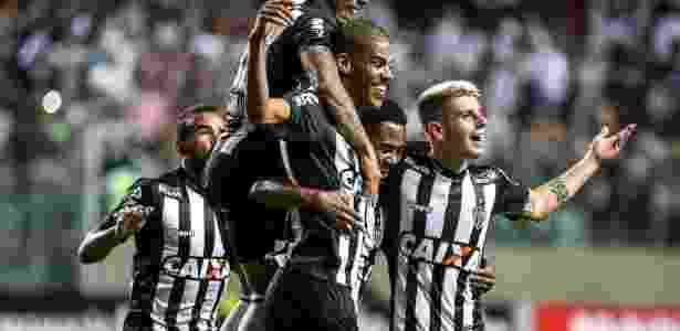 Leonardo Silva comemora gol para o Atlético-MG diante do Paraná Clube no Independência - Bruno Cantini/Atlético-MG