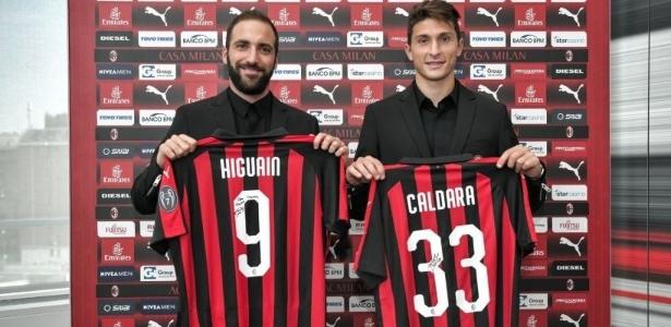 Caldara e Higuaín são apresentados no Milan - Reprodução/Twitter