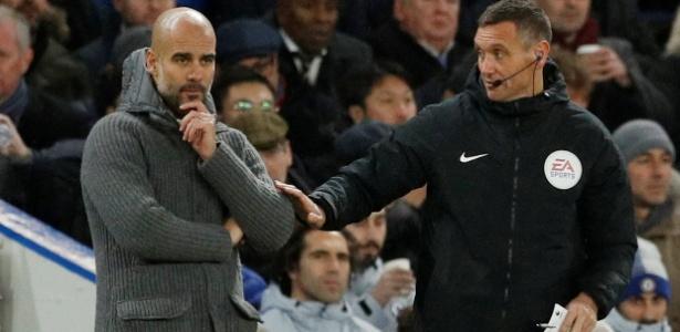 Guardiola afirmou não ter arrependimentos pela atuação do City contra o Chelsea - John Sibley/Reuters