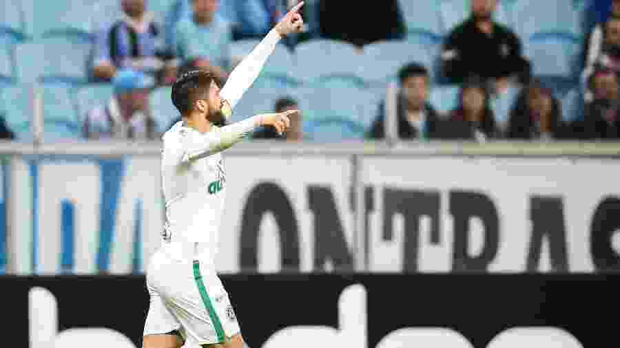 Everaldo, jogador do Chapecoense, é formado na base do Grêmio e marcou no jogo do primeiro turno - Pedro H. Tesch/AGIF