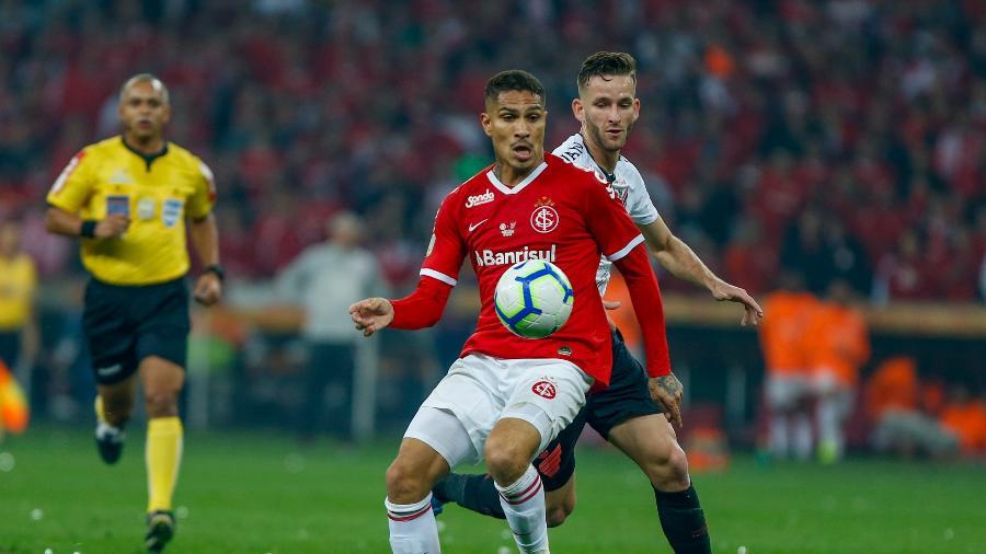 O Internacional de Paolo Guerrero encara o Avaí pela 26ª rodada do Campeonato Brasileiro - Jeferson Guareze/AGIF