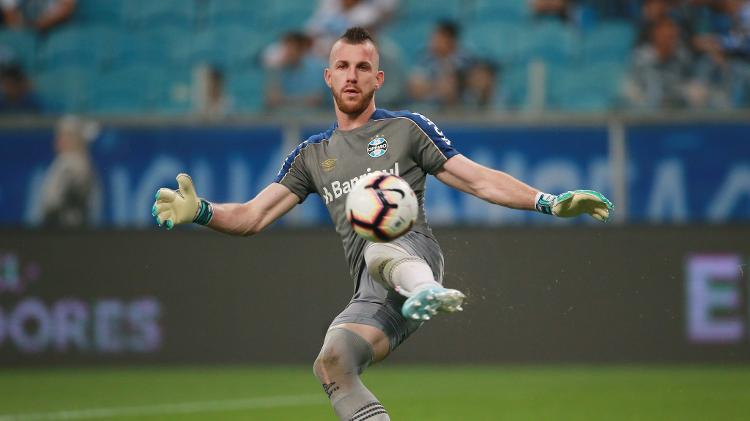 Paulo Victor teve uma noite complicada contra ex-clube - REUTERS/Diego Vara