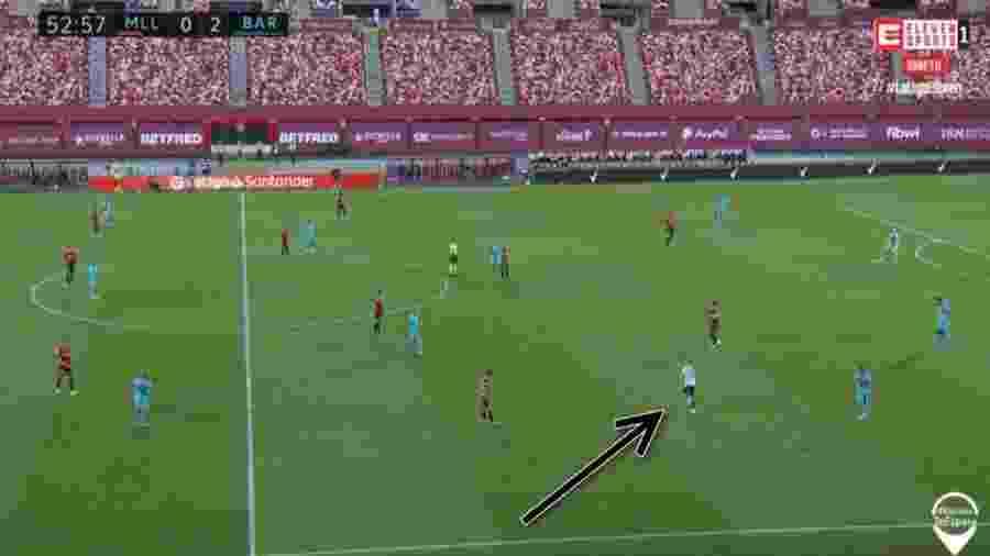 Torcedor invade gramado em Mallorca x Barcelona, na volta do Campeonato Espanhol após quarentena - Reprodução