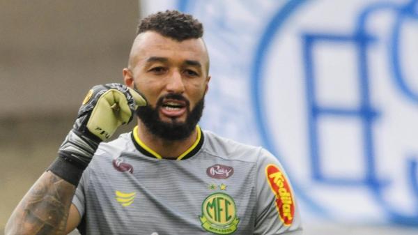 O experiente goleiro Alex Muralha, do Mirassol, já em ação pelo Paulistão 2021