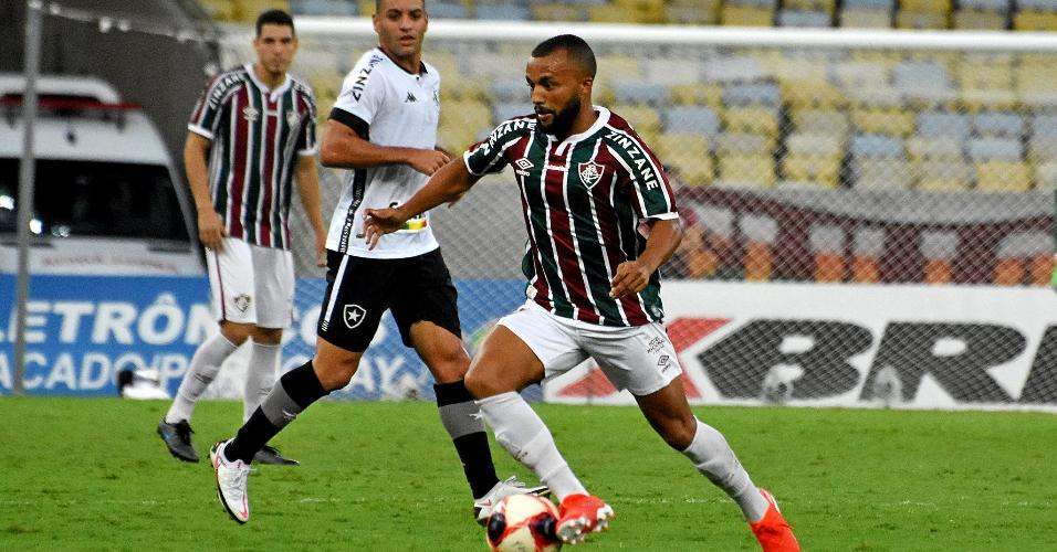 Samuel Xavier fez sua estreia com a camisa do Fluminense