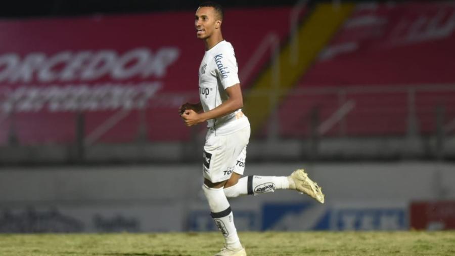 Lucas Braga, autor do gol de empate do Santos - Divulgação/Santos
