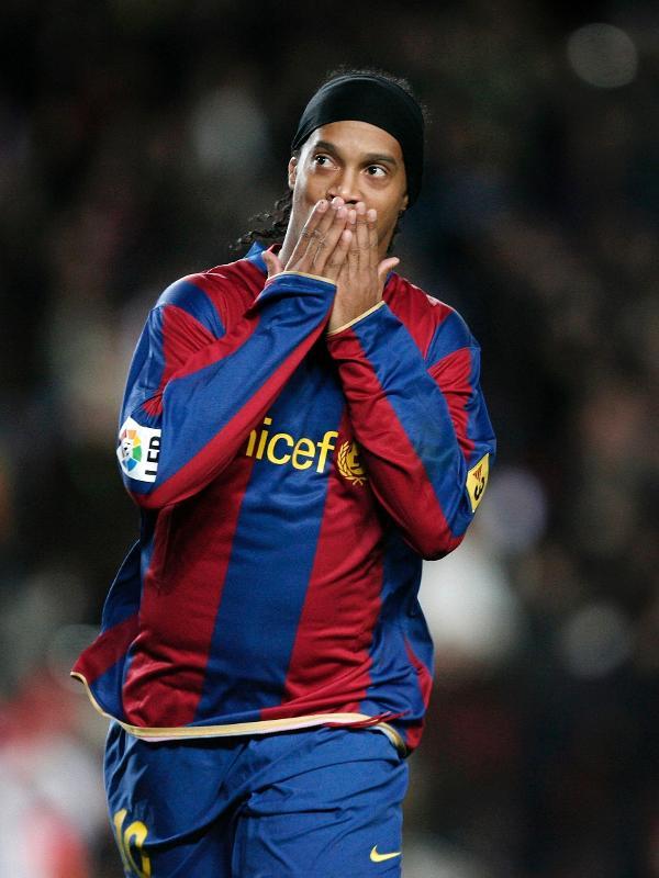 Ronaldinho Gaúcho, em atuação pelo Barcelona
