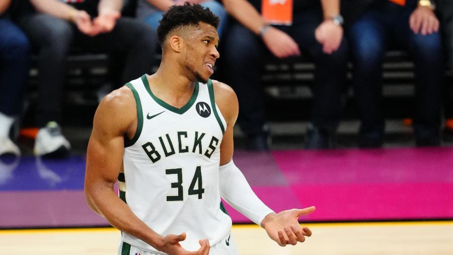 Giannis Antetokounmpo, do Milwaukee Bucks, reage durante jogo contra o Phoenix Suns na final da NBA - Mark J. Rebilas/USA TODAY Sports