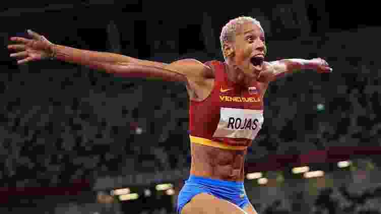Yulimar Rojas faturou o ouro e quebrou recordes olímpico e mundial no salto em distância em Tóquio - Hannah Mckay/Reuters - Hannah Mckay/Reuters