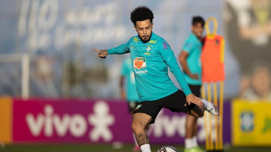 Claudinho durante treinamento da seleção brasileira no CT Joaquim Grava; ele faria sua estreia pela equipe - Lucas Figueiredo/CBF
