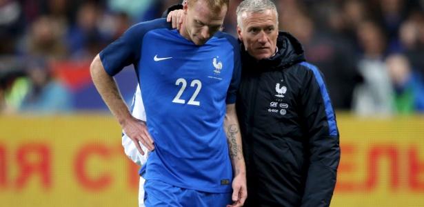 Mathieu saiu lesionado na vitória da França sobre a Rússia