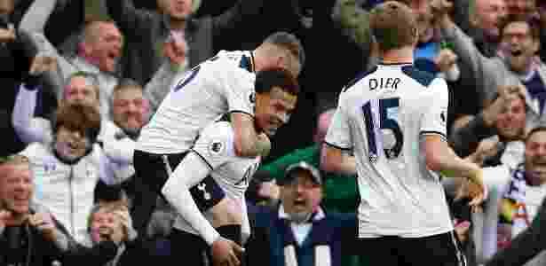 Dele Alli comemora gol marcado pelo Tottenham em jogo contra o Arsenal - Paul Childs/REUTERS