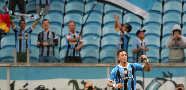 Lucas Barrios marcou mais uma vez para o Grêmio na Libertadores