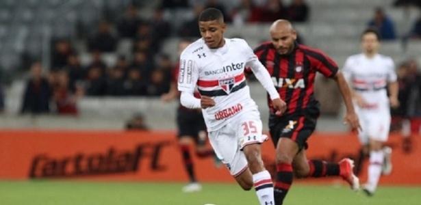 Brenner fez a sua estreia no profissional do São Paulo contra o Atlético-PR