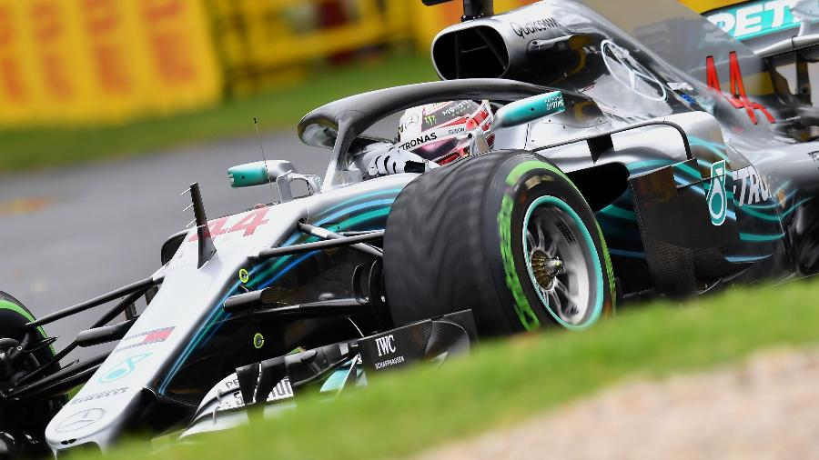 Lewis Hamilton durante o treino classificatório do GP de Melbourne, na Austrália - Paul Crock/AFP