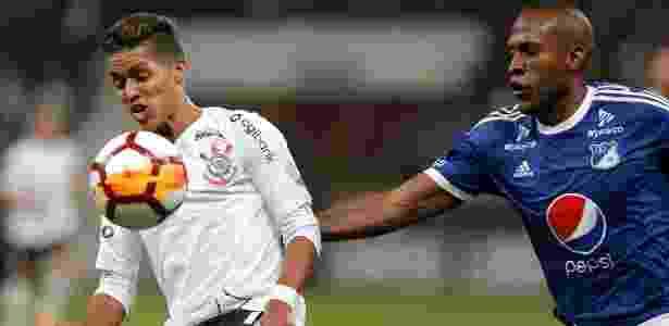 Pedrinho em ação contra o Millonarios: meia-atacante deixou o campo no 2º tempo - Daniel Vorley/AGIF