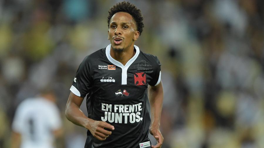 Volante Lucas Mineiro já fez três gols e tem sido um dos destaques do Vasco em 2019 - Thiago Ribeiro/AGIF