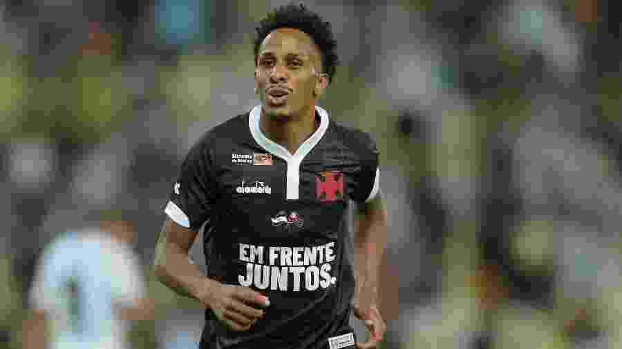 Lucas Mineiro comemora seu gol em partida de Vasco contra Resende no Campeonato Carioca - Thiago Ribeiro/AGIF