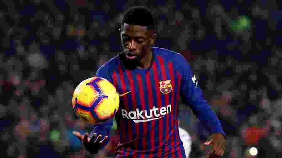 Dembélé durante confronto entre Barcelona e Real Valladolid - ALBERT GEA/REUTERS
