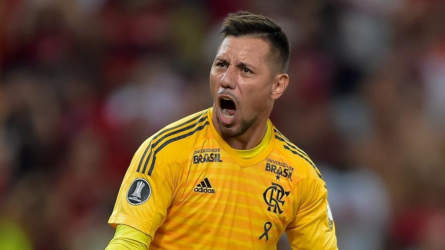 Abel Braga exalta Diego Alves após pênalti defendido Fantástico