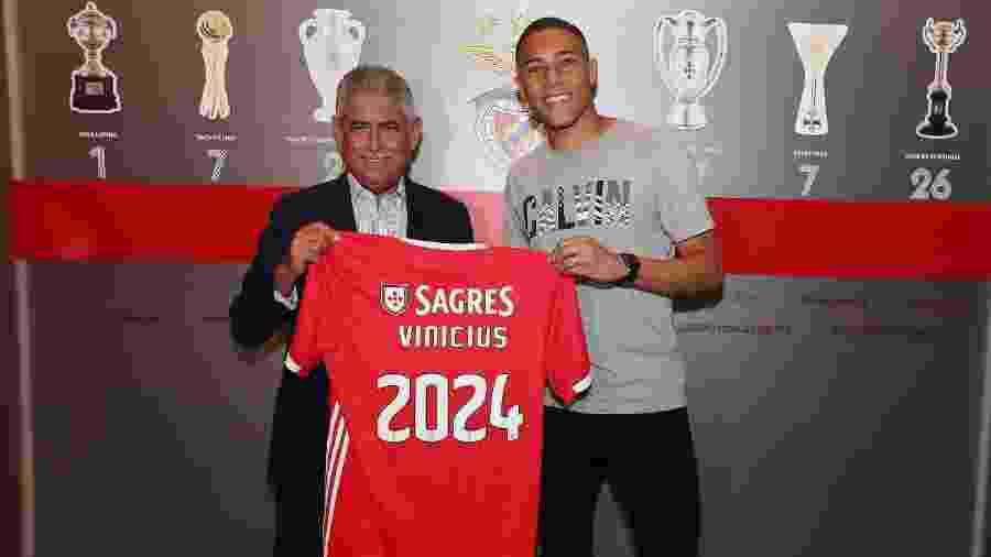 Carlos Vinícius é anunciado pelo Benfica - Divulgação/Benfica