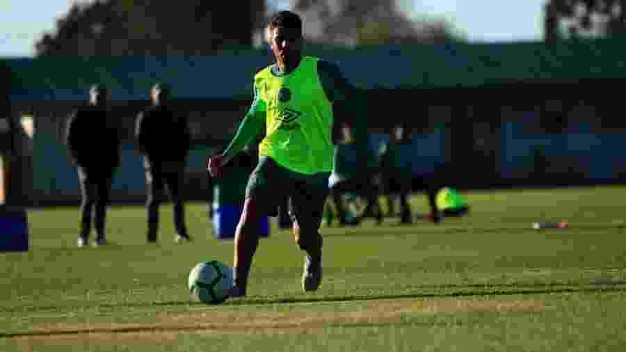 Henrique Almeida durante treinamento da Chapecoense - Márcio Cunha/Chapecoense