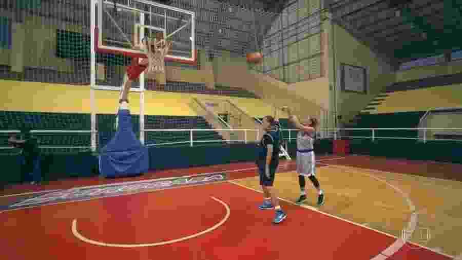 Galvão Bueno e Hortência jogam basquete em Sorocaba - Reprodução