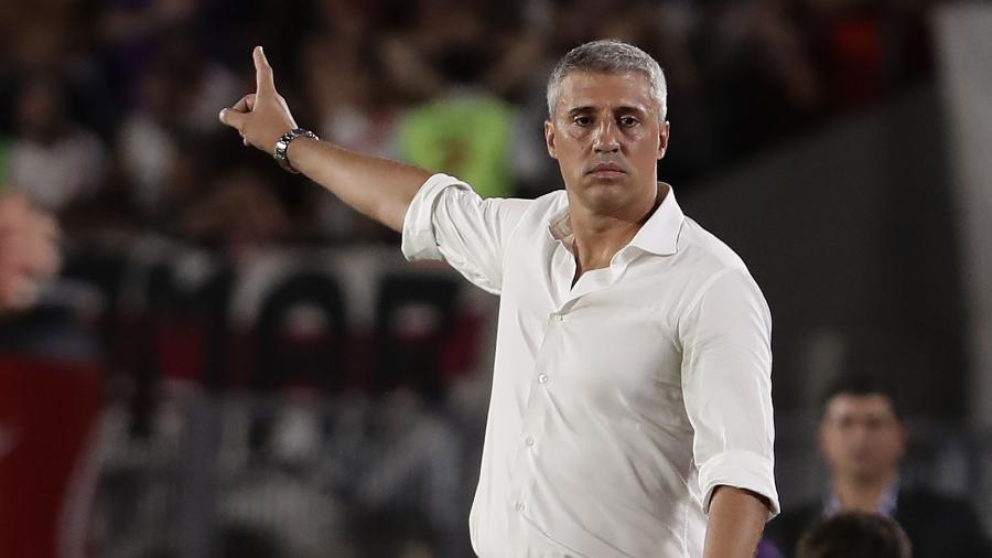 Hernán Crespo, ex-centroavante e agora treinador, assumirá o São Paulo após deixar o Defensa y Justicia no mercado da bola - ALEJANDRO PAGNI / AFP